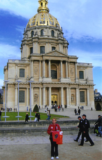 Hayley Quinlan at the Les Invalides in Paris