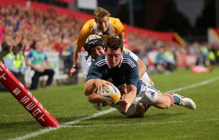Ronan O'Mahony touches down for a try