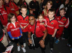 New signing Fancis Saili meets fans and checks out Thomond Park's Fan Zone Plaza for the first time.