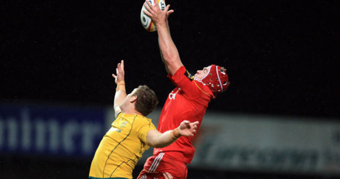 Billy Holland in lineout action