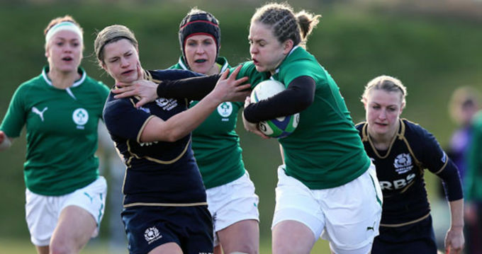 Niamh Briggs breaking through the Scottish defence