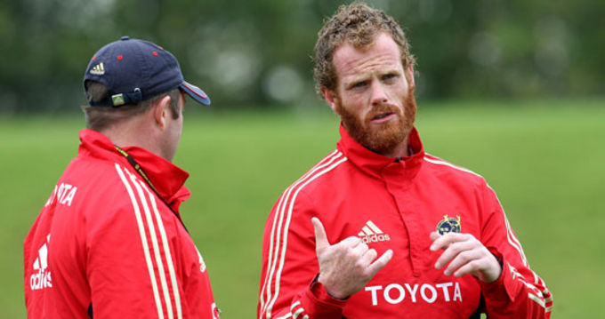 Bryce Cavanagh with Tony McGahan at a Munster training session