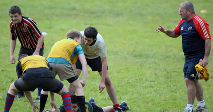 Ray Gadsden, Community Rugby Officer in action at the recent skills camp in Castleisland RFC