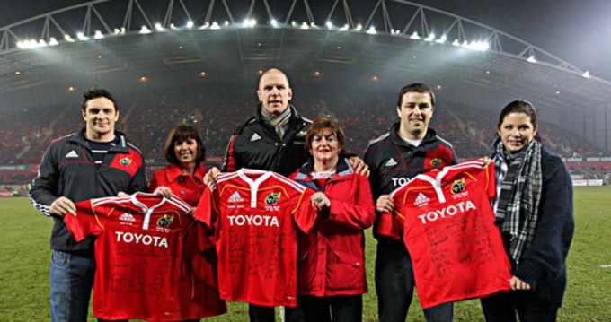 David Wallace, Paul O'Connell and Marcus Horan make jersey presentations to Munster's nominated charities, TLC4CF, Suicide Aware and UNICEF