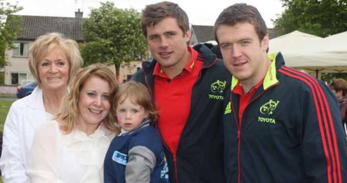 Mike Sherry and CJ Stander join Josephine Lynch, Triona Lynch-Hassett and Críodhia Hassett at the BBQ