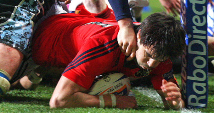 Try for Conor Murray in Musgrave Park
