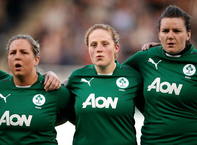 Fiona Hayes (centre) selected on the Ireland Women's Rugby World Cup Squad 2014