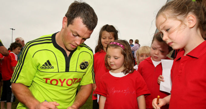 Ian Dowling signs autographs after training in Cashel RFC
