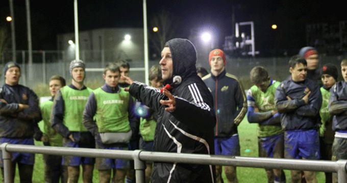 Former Munster player and Assistant Coach Jason Holland tutors on backline attack at Clonmel RFC