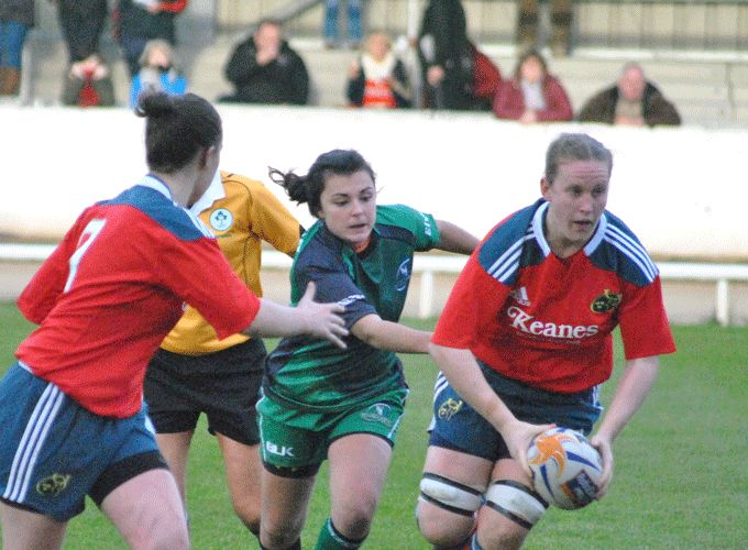 Munster No. 8 Laura Guest on the charge at last week's interpro game against Connacht