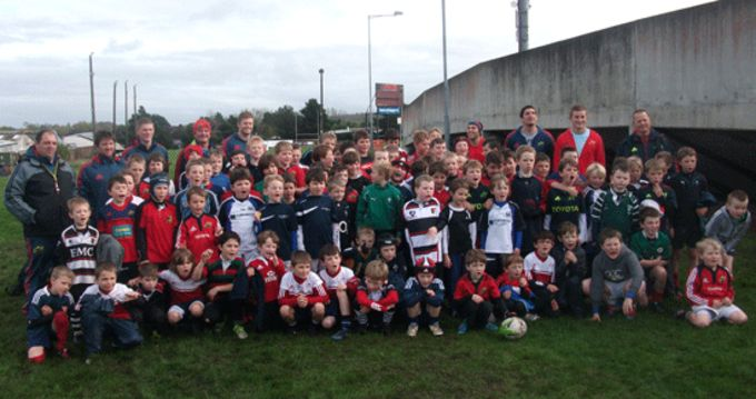 Camp participants pictured with Ivan Dineen, Cian Bohane, Duncan William and James Downey at Musgrave Park.