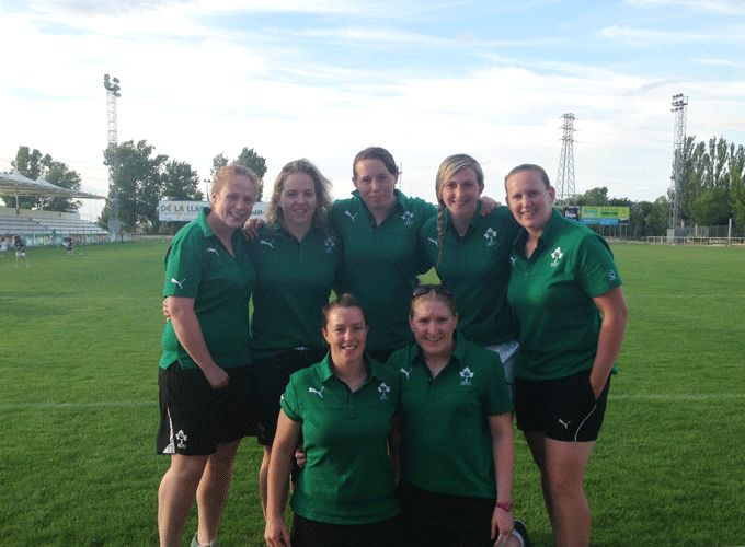 Munster players named on the Ireland World Cup squad (back row L-R) Fiona Hayes, Niamh Briggs, Niamh Kavanagh, Siobhan Fleming, Laura Guest (front row L-R) Gillian Bourke and Heather O'Brien