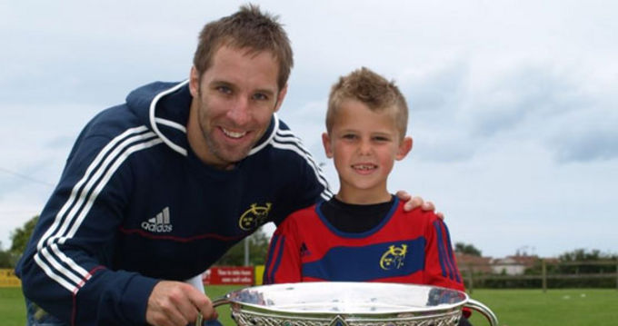 Tomás O'Leary pictured with Odhrán McKeown at the Cobh RFC Summer Camp