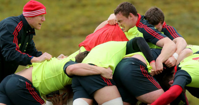 Paul O'Connell pushes the lads on at training