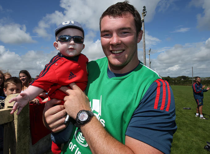 Peter O'Mahony pictured with Darragh Casey after last year' Munster Race