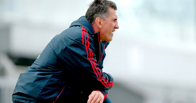 Rob Penney addresses Munster coaches last night at Cork Institute of Technology
