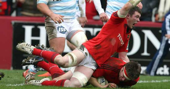Mike Sherry scores Munster's third try with Peter O'Mahony in support as he goes over the line