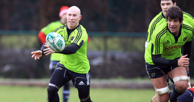 Peter Stringer with Donncha O'Callaghan and David Wallace at the squad training session in CIT