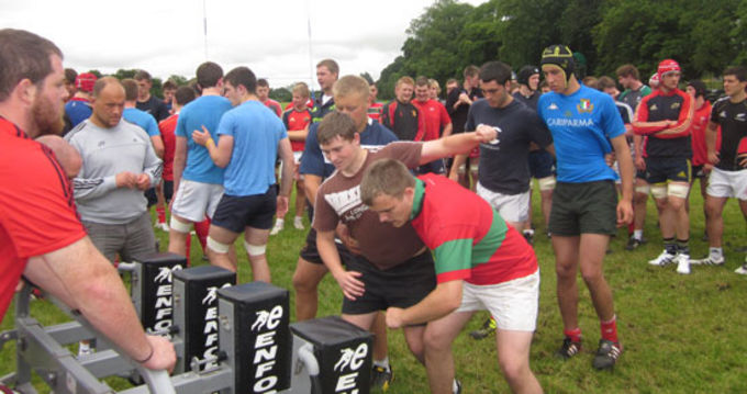 BJ Botha gives the Munster U18 Club forwards scrummaging tips at the Munster Talent Camp in Rockwell College