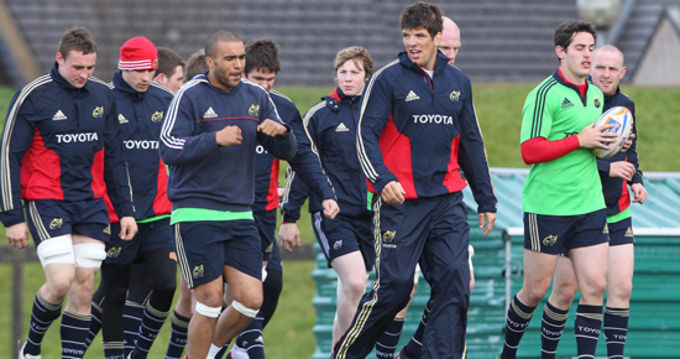 Donncha O'Callaghan, Simon Zebo & Tom Gleeson lead the way at training yesterday