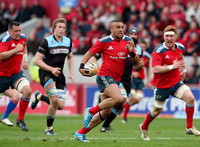 Simon Zebo on the run against Warriors
