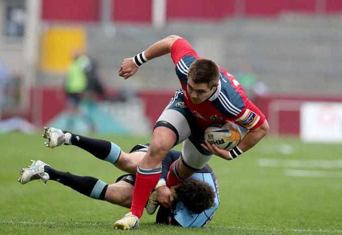 Gerhard Van Den Heever on the attack for Munster